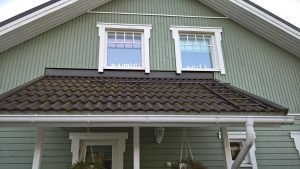 Sammale pois katolta ekologisesti kemialisella käsittelyllä. Käsittely ei riko kattoa ja kestää 4 vuotta. Katto pyssy puhtaana ja kestää.